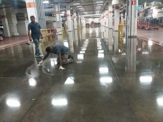 Aplicações de Epóxi em Parede Rio Grande da Serra - Aplicação Epóxi Piso Industrial